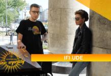 Ifi Ude w trakcie wywiadu