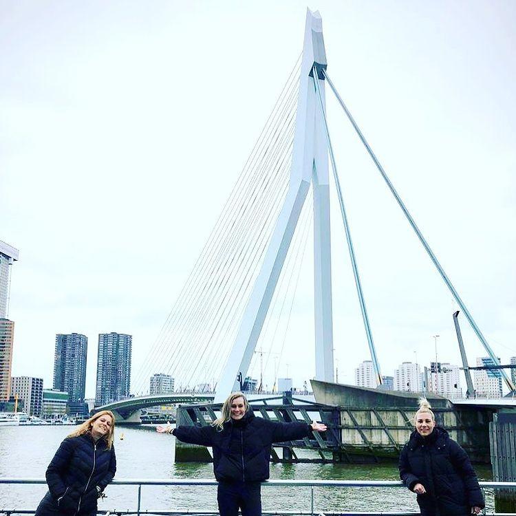 Eurowizja 2021, Erasmus Bridge