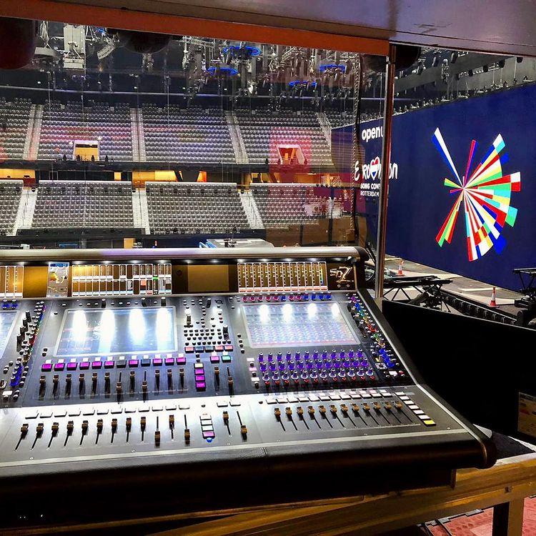 Eurowizja 2021, ekran LED, konsola